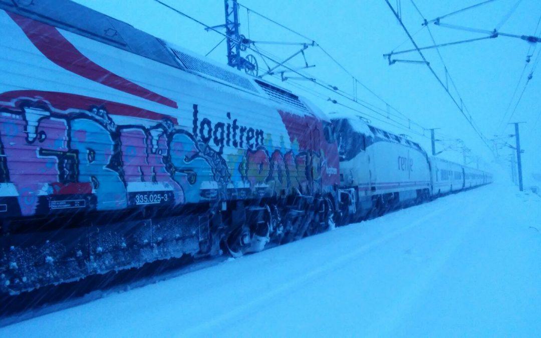 El temporal de nieve desata el caos en las comunicaciones ferroviarias de Albacete y Valencia