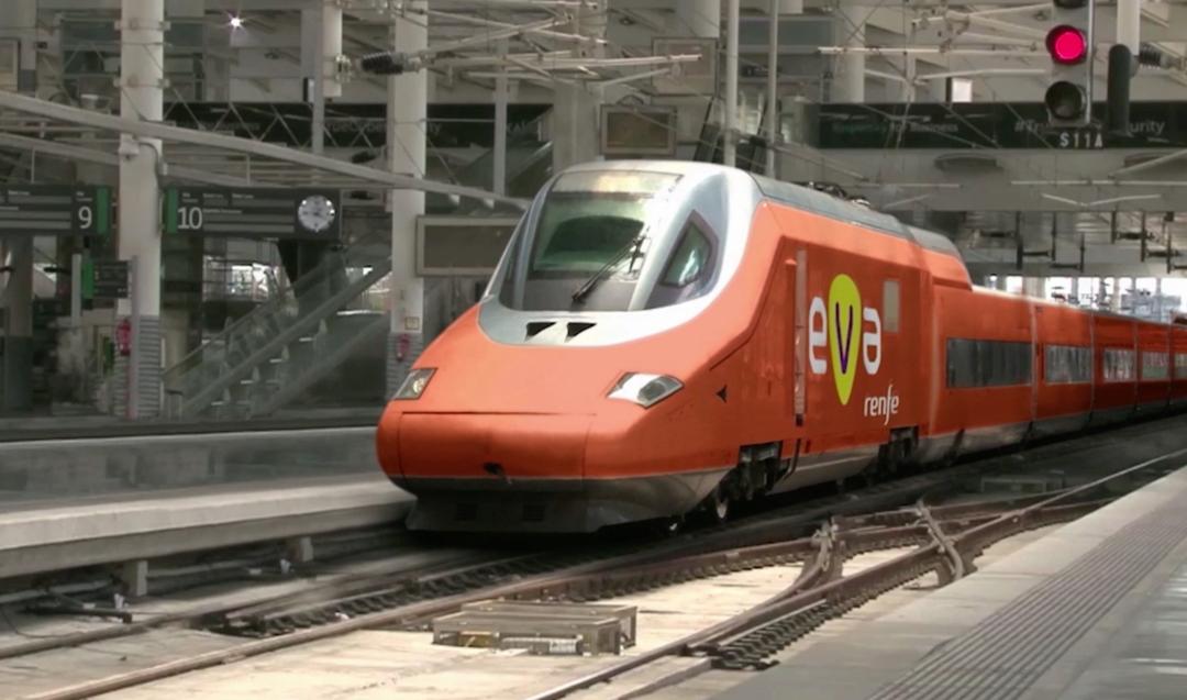 """EVA: Renfe presenta el nuevo concepto de AVE """"low cost"""""""