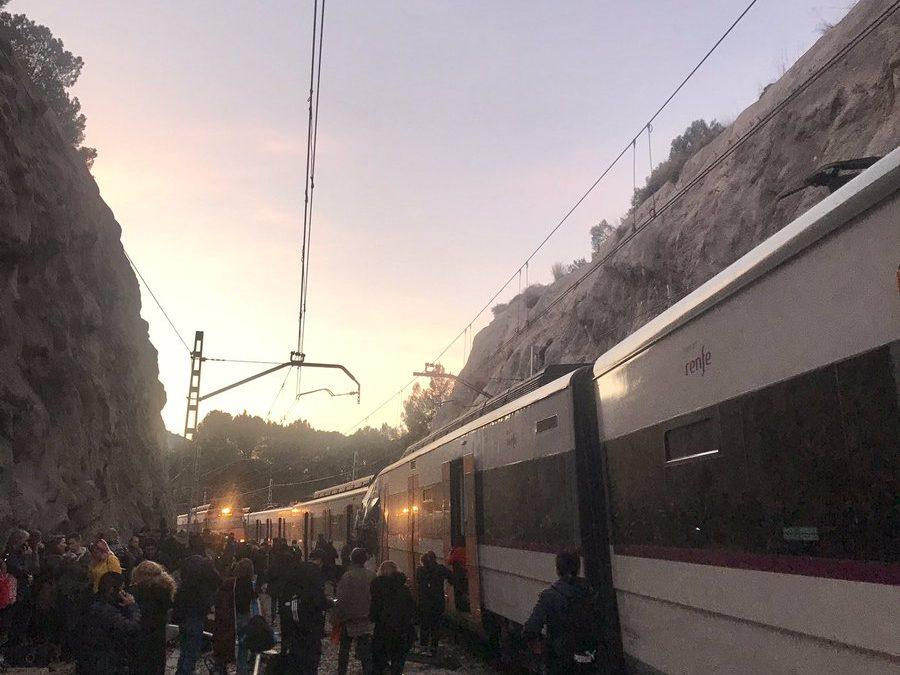 Chocan dos trenes de cercanías entre Manresa y Sant Vicenç de Castellet
